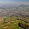 Panorama grybowskiej doliny wkierunku góry Chełm, fot.Andrzej Klimkowski (2010)