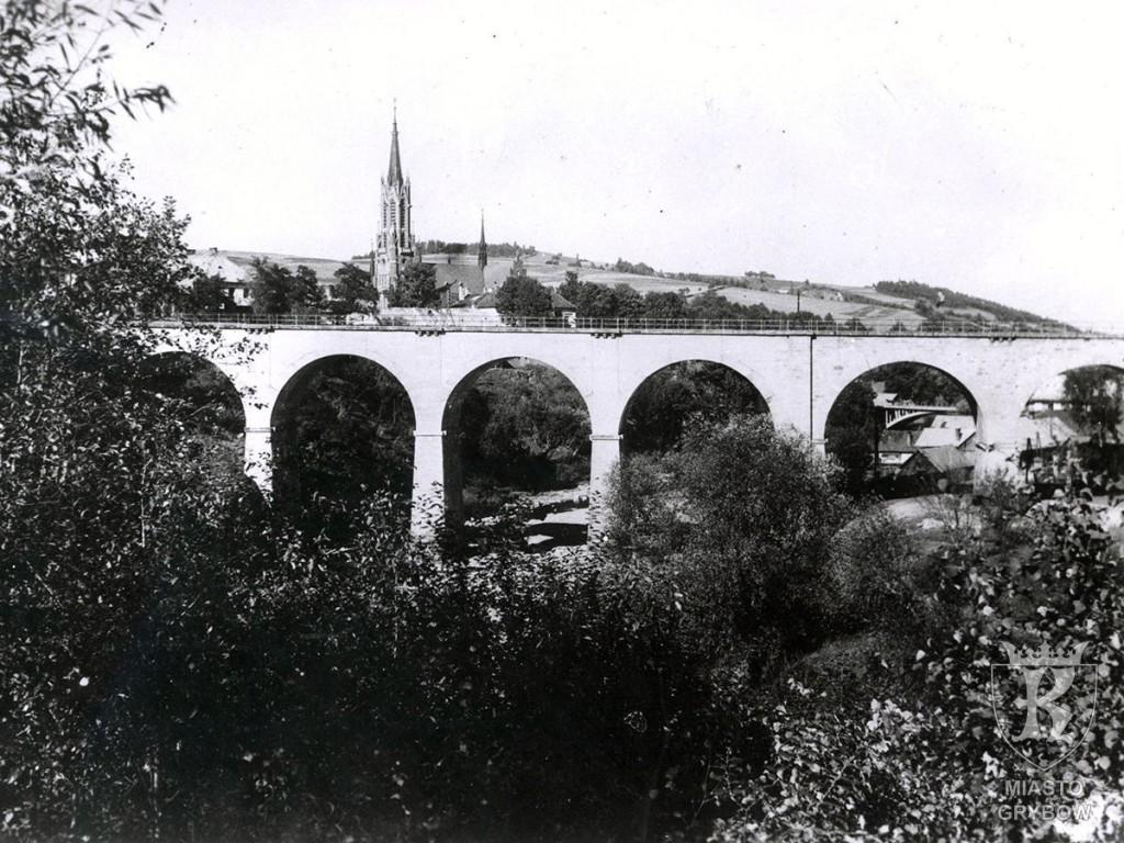 Kamienny most kolejowy na rzece Białej (okres międzywojenny)