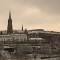 Wizytówka Grybowa: Widok na kościół z mostu kolejowego, fot. Tadeusz Sapalski (2009)