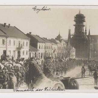 Grybów. Rynek przemarsz wojsk w 1915 roku