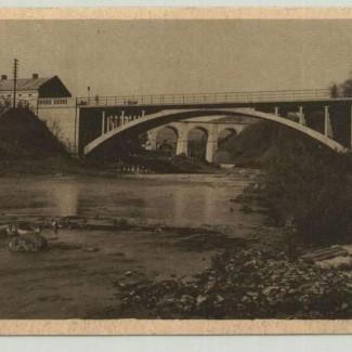 Grybów. Widok z nad mostu i wiaduktu na Białą