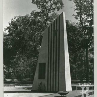 Grybów. Pomnik poległych w latach 1939 - 1945