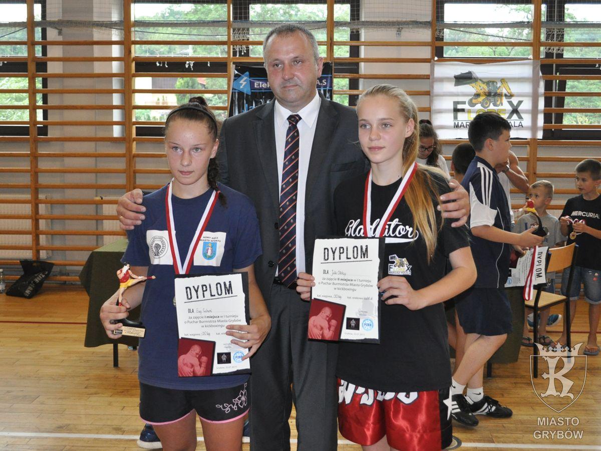 Grybow24.pl: Grybowianka Julia Oleksy (z prawej)