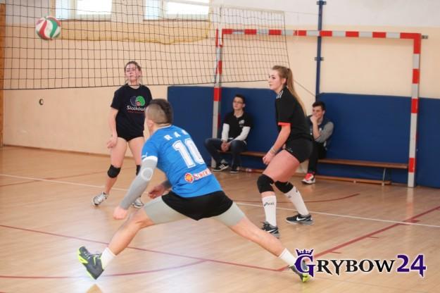 2016-02-14: Grybow24.pl - IV Walentynkowy Turniej Piłki Siatkowej