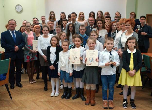 2016-04-01: Tragiko wyróżnione w Powiatowym Przeglądzie Teatrzyków