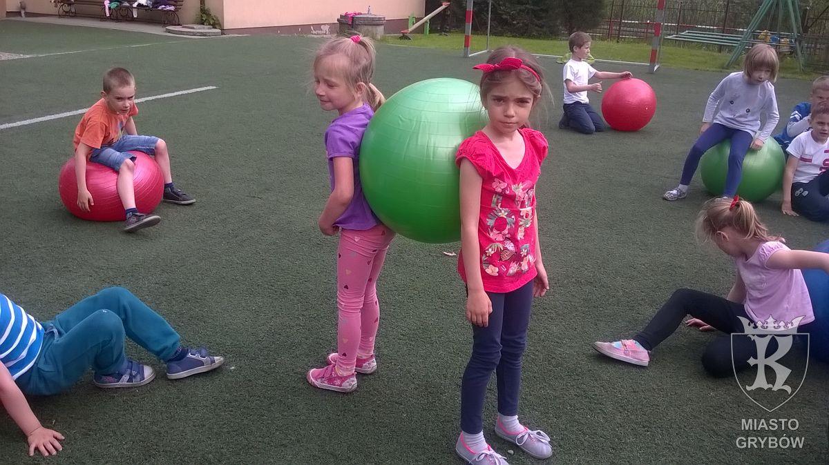 2016-05-04: Zajęcia ruchowe z piłkami