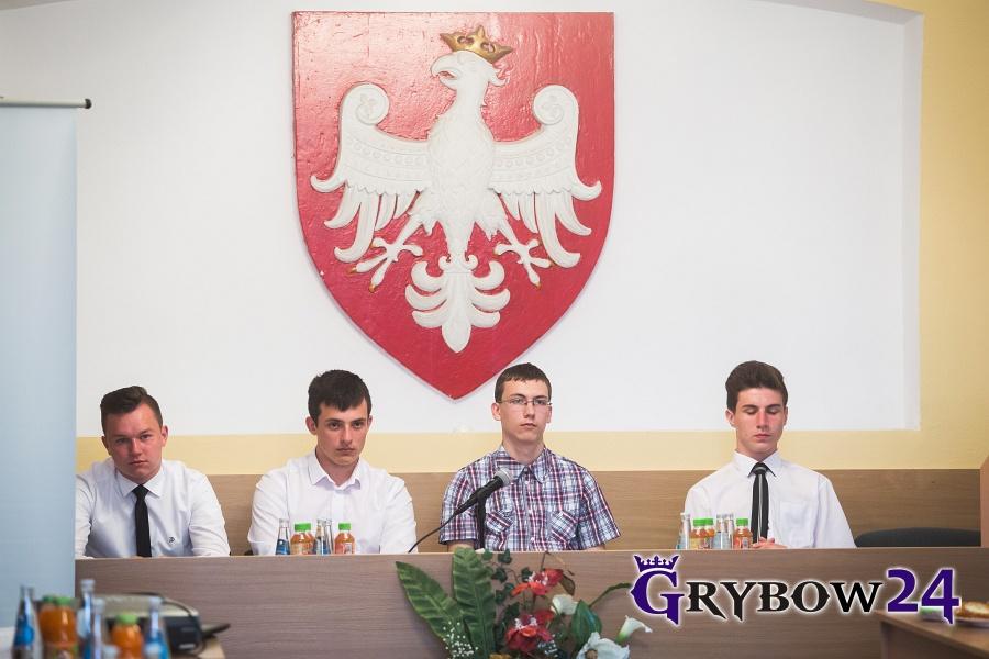 2016-06-02: Grybow24.pl - Sesja Gimnazjalnej Rady Miasta