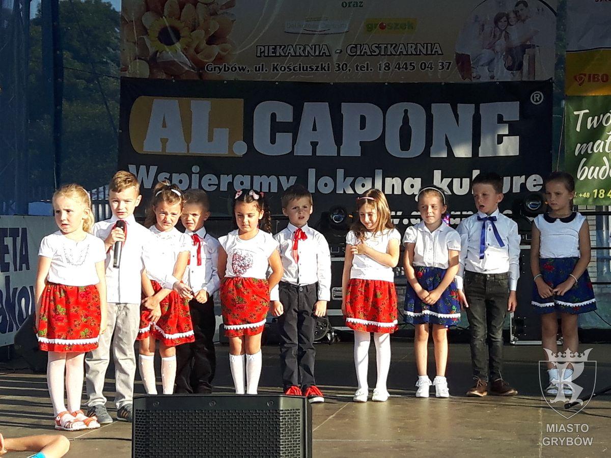 2016-09-10: Występ Przedszkolaków podczas Jesieni Grybowskiej 2016