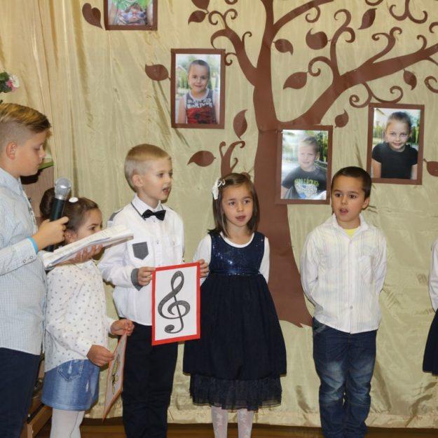 2016-10-13: Ślubowanie klas pierwszych w Szkole Podstawowej Nr 2