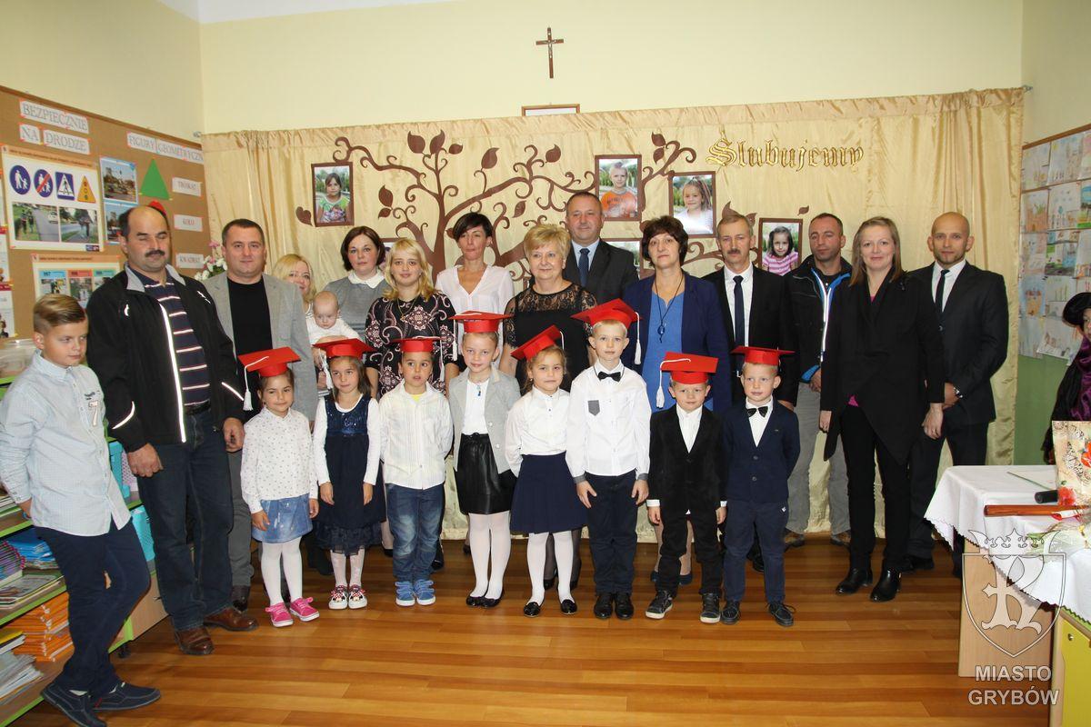 2016-10-13: Ślubowanie klas pierwszych wSzkole Podstawowej Nr2