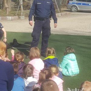 2017-03-29: Wizyta Policji w Dwójce