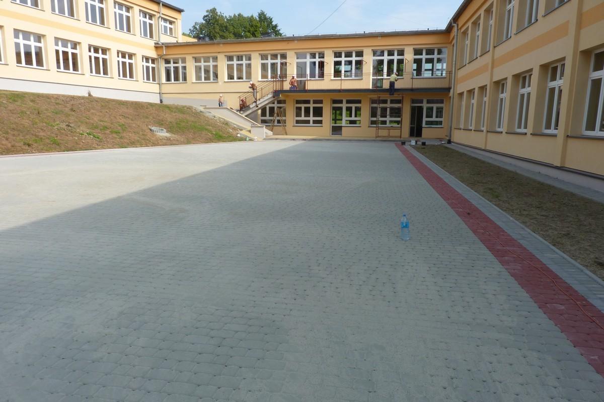 Remont placu przedszkołą (2016 r.)