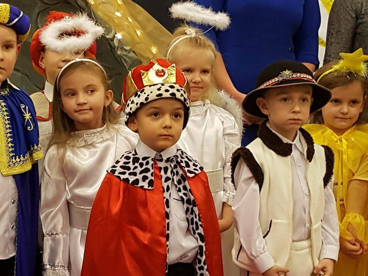 """2017-12-15: """"Przedstawienie Bożonarodzeniowe"""" w wykonaniu Pszczółek"""