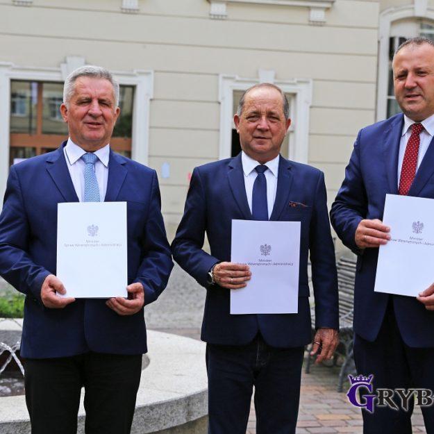 2018-05-30: Wręczenie promesy na remont pięciu dróg miejskich