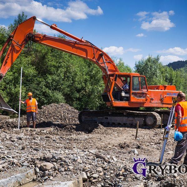 Prace budowlane na rzece Biała Tarnowska