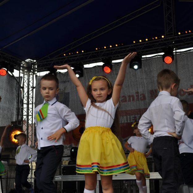 """2018-09-08: Jesień Grybowska 2018 - Montaż słowno-muzyczny pt. """"Moje miasto"""""""