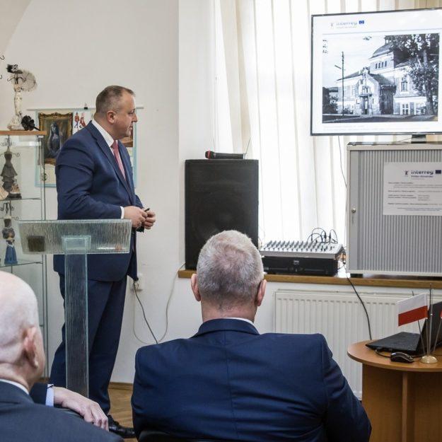 Konferencja w słowackim Bardejowie dot. remontu budynku MCKCiE w Grybowie