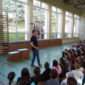 """2019-04-26: """"Żywa lekcja biologii"""" - węże w grybowskiej Jedynce"""