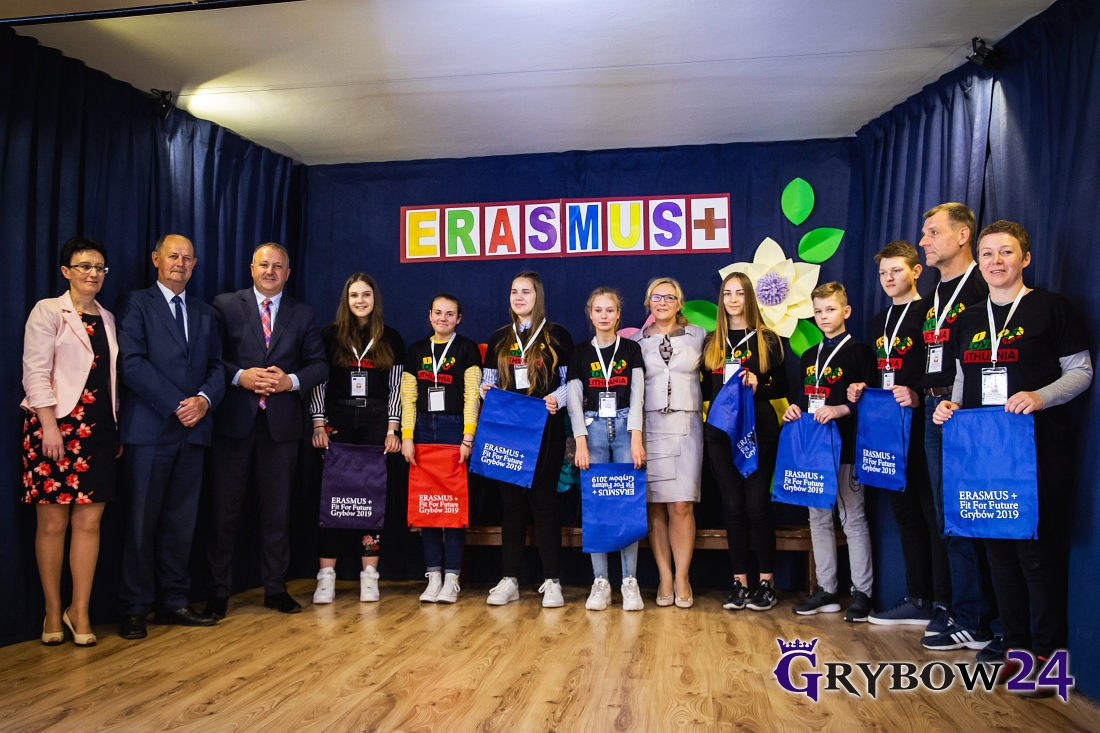 "Realizacja projektu Erasmus+ 2018-2020 ""Fit for Future"""