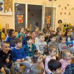 """2020-02-20: Przedstawienie pt. """"Co w trawie piszczy...? - Pszczółka Maja"""""""