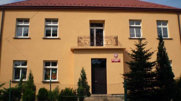 Budynek Szkoły Podstawowej nr 2 w Grybowie