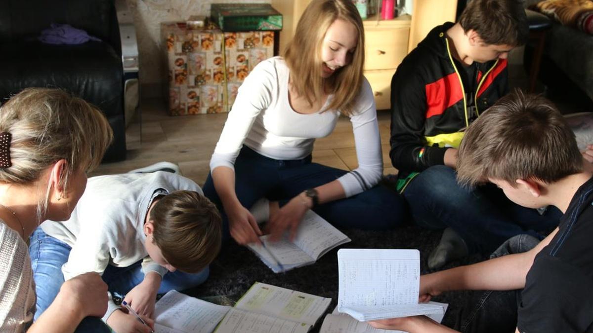 """Program """"Dobry start"""" - 300 zł na wyprawkę szkolną dla każdego uczącego się dziecka"""