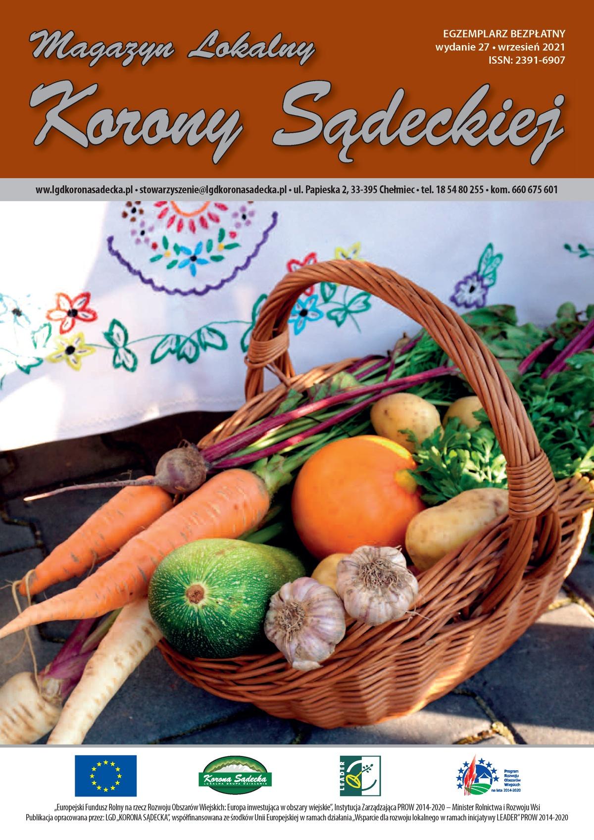 Wiklinowy koszyk pełen warzyw